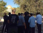 مستوطنون يهود يقتحمون ساحة الأقصى رافعين شعارات تدعو لبناء الهيكل