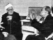 محمد الغزالى كفر نجيب محفوظ وزاره بعد محاولة الاغتيال لإبعاد الشبهة