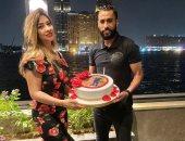 حسام عاشور يحتفل مع زوجته بعيد ميلادها: كل سنة واحنا مع بعض.. صور