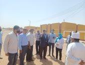 محافظ أسيوط يتفقد 100 بيت ريفى بالقوصية ويوجه بمتابعة الخدمات للمواطنين.. صور