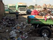 """""""نقيب الزبالين"""" المطرية والمرج أكثر أحياء العاصمة شكوى من تراكم القمامة"""
