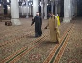الأوقاف تواصل حملات نظافة وتعقيم المساجد استعدادا لصلاة الجمعة.. صور