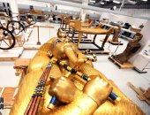 جولة داخل أكبر معمل لترميم الآثار الخشبية فى العالم  بالمتحف المصرى الكبير.. ألبوم صور