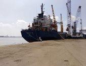 شحن 3500 طن أسمنت وتداول 28 سفينة بموانئ بورسعيد.. صور