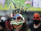 صور.. شباب حول العالم ينظمون احتجاجات على تغير المناخ