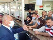 نائب محافظ القاهرة يوجه بزيادة منافذ تلقى طلبات التصالح شرق العاصمة.. صور
