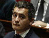 وزير فرنسى يدعم قائد شرطة باريس بعد تفكيك مخيم للاجئين