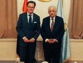 سفير باريس بالقاهرة ينقاش مشروعين مع وزير التعليم حول تدريس الفرنسية فى مصر