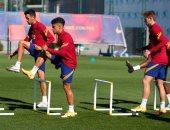 كومان يستثنى ميسى و4 لاعبين من مران برشلونة قبل موقعة سيلتا فيجو