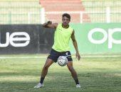 طاهر محمد طاهر يحتفل بسداسية فريقه الحالي قبل مواجهة فريقه الجديد