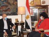 وزيرة الثقافة تلتقى سفير فرنسا لبحث سبل دعم التعاون الثقافى والفنى بين البلدين
