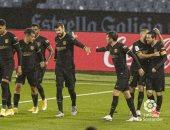 برشلونة بعشرة لاعبين يقهر سلتا فيجو بثلاثية فى الدوري الإسباني.. فيديو