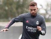 ريال مدريد يعير مهاجمه مايورال إلى روما حتى 2022.. رسميا