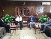 محافظ شمال سيناء يستقبل مرشحى البرنامج الرئاسى لتأهيل التنفيذيين للقيادة