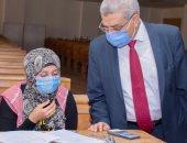 نائب رئيس جامعة طنطا يتفقد سير امتحانات دور سبتمبر بكلية الآداب.. صور