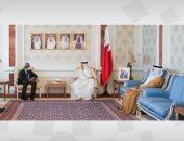 وزير خارجية البحرين يبحث مع سفير مصر العلاقات والتعاون المشترك