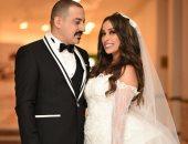 دياب يحتفل بعيد زواجه برسالة رومانسية لزوجته: بحبك أوى أوى.. صورة