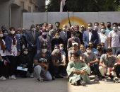 جامعة المنيا تحتفل بذكرى أكتوبر خلال الكشف الطبى على طلابها المستجدين.. صور