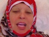فيفى عبده بالحجاب وبدون مكياج تكشف سبب اختفائها مؤخراً: برد شديد.. فيديو