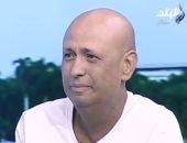 بكاء جمال يوسف تأثرا بدعم الفنان محمد صبحى له خلال رحلة الشفاء.. فيديو