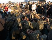شاهد أفظع جرائم أردوغان ضد الجيش التركى.. سحل وتركيع وإهانة