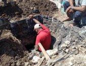 إصلاح كسر ماسورة مياه بالزقازيق وتسليك صرف فى ديرب نجم استجابة للمواطنين