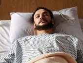 """أحمد خالد صالح داخل المستشفى فى كواليس """"لازم أعيش"""".. صورة"""