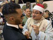 محمود الشحات يكشف كواليس صورته مع محمد رمضان: قالى أنت رقم 1 بالتلاوة.. صور