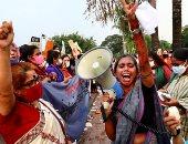 صور.. مسيرات نسائية في بنجلاديش احتجاجا على جريمة اغتصاب جماعى