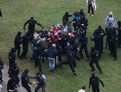 صور.. اعتقال نحو 50 متظاهرا بعد اشتباكات مع شرطة بيلاروسيا فى مينسك