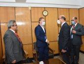 وصول سفير الاتحاد الأوروبى جامعة أسيوط لإطلاق فعاليات نموذج محاكاة الاتحاد الأوروبى