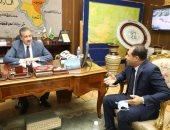 محافظ المنوفية يلتقى ممثل وزارة التنمية المحلية لمتابعة مشروعات الرصف.. صور