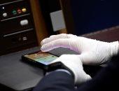 دراسة أسترالية: فيروس كورونا يمكنه العيش لأسابيع على أسطح الهواتف المحمولة