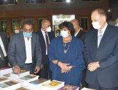 وزيرة الثقافة ومحافظ أسيوط يتفقدان معرض نتاج مبادرة صنايعية مصر من 13 محافظة