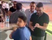 مشادة بين أحمد فهمى ومشجع: شيكابالا شهرك ومكنش حد يعرفك.. فيديو