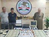 صور..سقوط عصابة لتزوير العملات الوطنية والأجنبية بحوزتهم 22 ألف دولار
