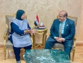 وزير العدل يوجه بتكريم عاملة نظافة لإبلاغها عن جسم غريب بمحكمة شمال الجيزة