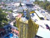 مكسيكيون يتضرعون أمام تمثال لهيكل عظمي بهدف رفع وباء كورونا.. فيديو
