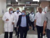 رئيس جامعة القناة يتابع حالة مصابي حريق مصنع اللحوم في الإسماعيلية.. صور