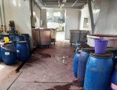 ضبط مواد مجهولة المصدر تستخدم فى تصنيع النسيج بمصنع فى العاشر من رمضان