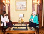 وزيرة الهجرة تلتقى الدكتورة دينا راشد إحدى النابغات المصريات بالخارج