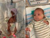 طفل مولود حديثًا يزن رطلاً ويخرج من المستشفى بعد 133 يوما بأمريكا..صور