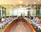 محافظ قنا يستعرض الموقف التنفيذى لـ 33 مشروع صرف صحى