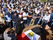 ياسمين عبد العزيز والعوضى ويسرا وياسر جلال يشاركون فى مراسم دفن محمود ياسين