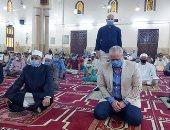 رئيس القطاع الدينى بالأوقاف يشيد بالتزام المصلين بالإجراءات الاحترازية