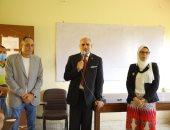 صور.. رئيس جامعة الأقصر  بتفقد انطلاق أول أيام الدراسة بكليات الجامعة