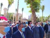 وزير التعليم العالى من عين شمس يؤكد ضرورة الالتزام بالإجراءات الاحترازية
