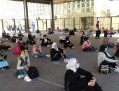 التربية الرياضية في جامعة الإسكندرية تستقبل طلابها بالكمامة والتمرينات.. صور