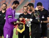 عبد المنصف يُهنئ الشناوى بعد فوز الأهلى على الوداد بدورى الأبطال