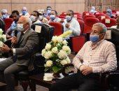 محافظ بورسعيد يتابع موقف إزالة تعارضات مسار مشروع محطة صرف بحر البقر